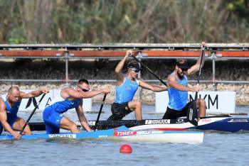 Na MS v kanoistice v maďarském Szegedu čeští závodníci zaklekli do lodí při finálových závodech