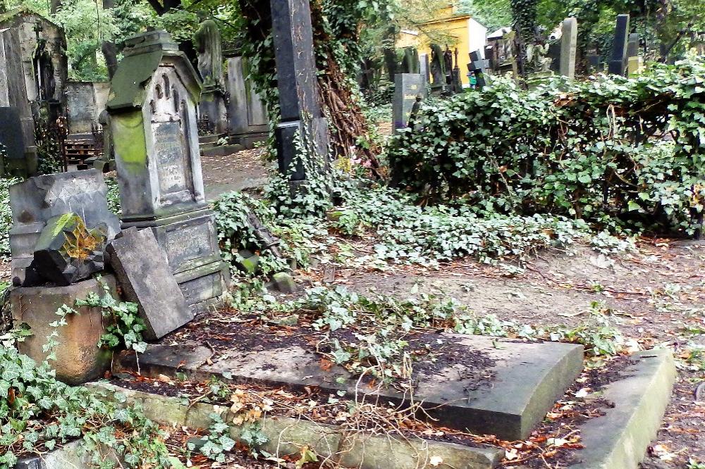 Zvažte cestu na hřbitovy z důvodu bezpečnosti